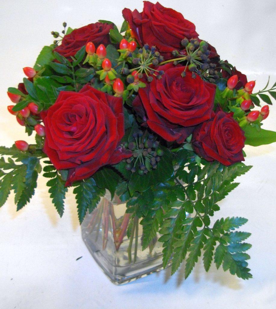 S019--KUR mit 9-roten Rosen, Hyp-1